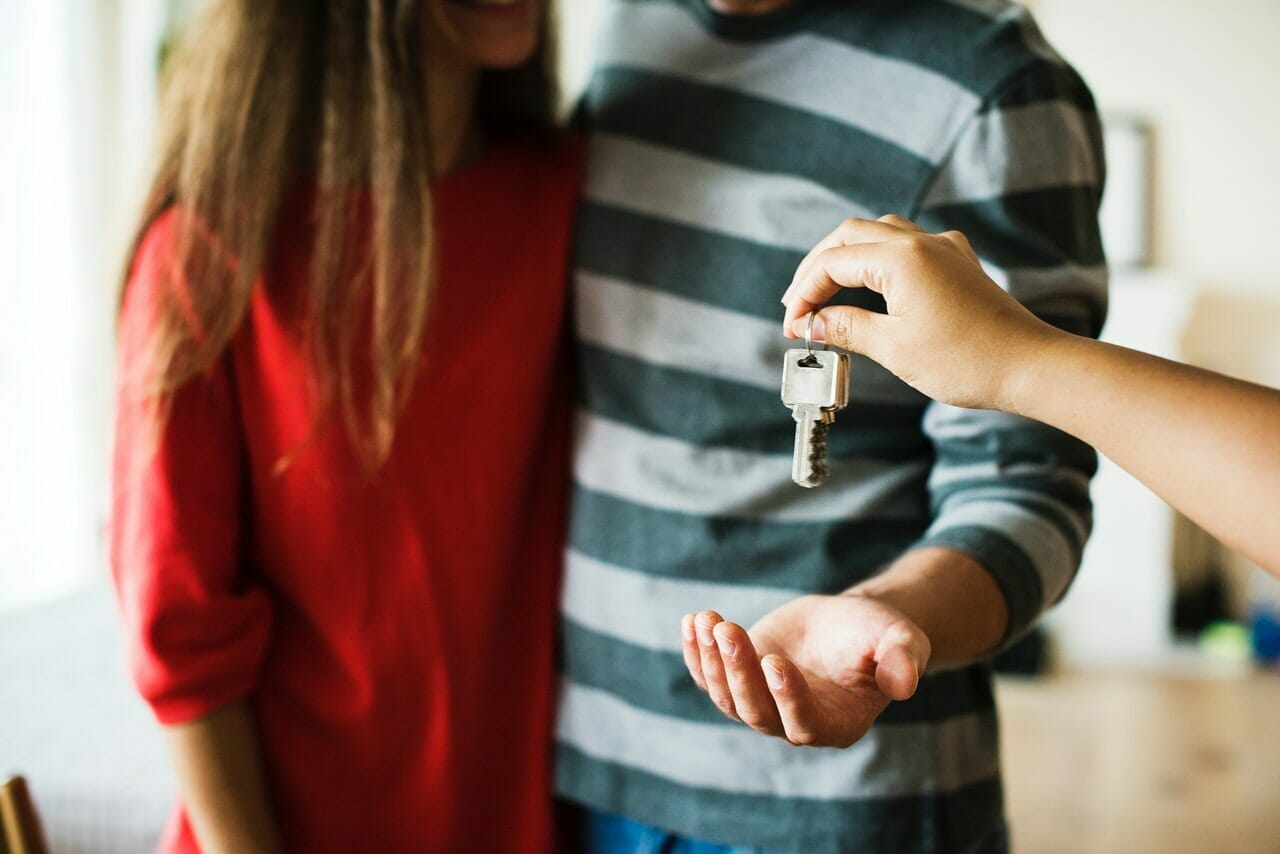 airbnb key service, airbnb key exchange, airbnb key exchange service airbnb keys management, key handover